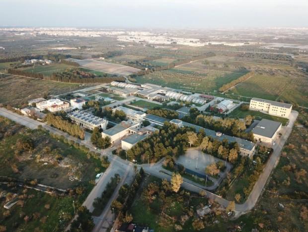 Riqualificazione ed ampliamento dell'impianto di illuminazione esterna presso il Campus di Valenzano e l'adiacente Azienda Martucci