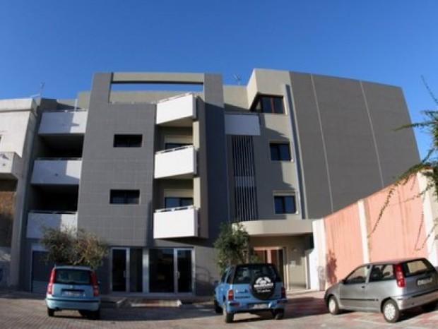 Realizzazione di un nuovo edificio residenziale-commerciale in Pantelleria