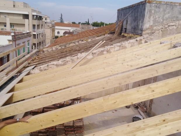 Ristrutturazione della copertura dell'immobile comunale destinato a Caserma dei Carabinieri